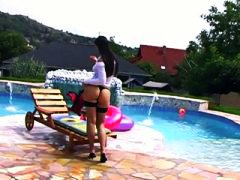 Dobos eva craves her c...
