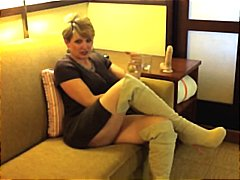 Chubby mature blonde s... from Nuvid