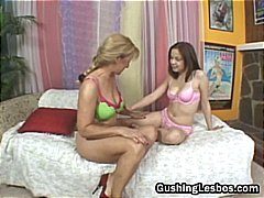 Mature on teen lesbo d...