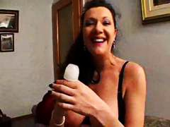 Busty brunette mom pla...