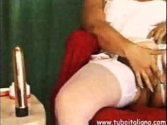 Italian Mature Masturb... from HardSexTube