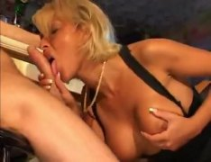 Bar babe squirts and g... from Alpha Porno