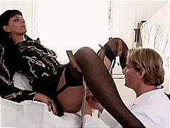 Simony Diamond gets fu...