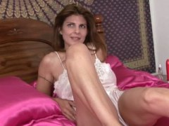 Amateur milf closeup solo from Keez Movies