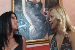 mature lesbians from Xhamster