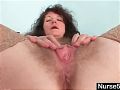 Aged amateur lady extr...
