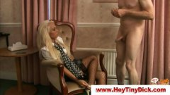 Babe gets fucked by li...