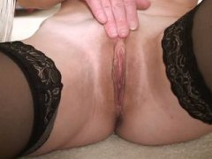 Mature milf creams her... from Keez Movies