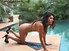 Beautiful Arab naked a...