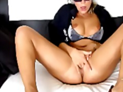 Russian orgasmic kitte... from Xhamster