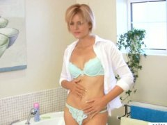 Amazing MILF housewife...