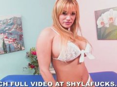 Keez Movies - Angel Eyes in White Li...