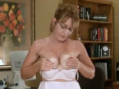Mature office secretar... from Keez Movies