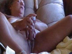 DrTuber - Big chubby mature uses...