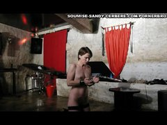 video uro soumise sand...
