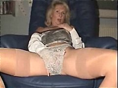 mature woman masturbat... from Xhamster