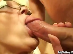 Keez Movies - He bangs his old mothe...