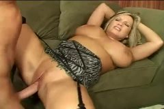 Huge tits curvy milf f... from Alpha Porno