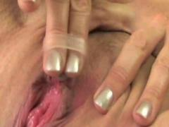 Fingering Brunette Squ... from HardSexTube