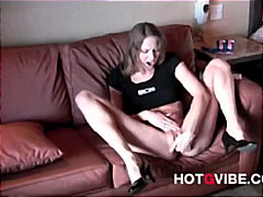 PornHub - Hot Babes Love Squirti...