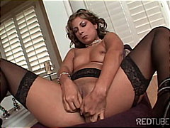 Glamour girl fingering from Redtube