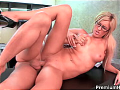 Secretary has special ... from Redtube
