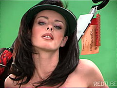 Female caddy on the green from Redtube