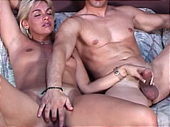 MILF blowing for the r...
