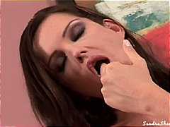 Hot babe plays with he... from Redtube