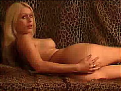Hot blonde presents he... from Redtube