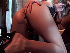 Very sexy babe gets sh...
