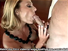 Sexy blonde gives a pe...