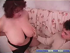 Keez Movies - Mature BBW vs Skinny Y...