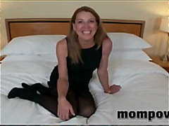 Old housewife sucking ... from Keez Movies
