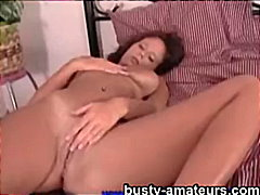Busty amateur Wendy pl... from Keez Movies