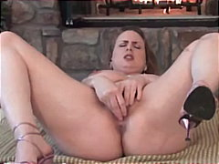 Huge tit milf fucks th...