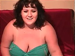 BBW Webcam Striptease from Keez Movies