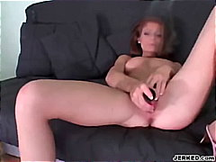 Babe masturbates and s... from Keez Movies