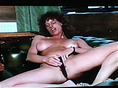 Keez Movies - Big-Haired Brunette Gr...
