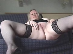 Chubby blonde mom show... from Nuvid
