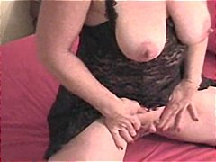 Busty mature with a ve... from Nuvid