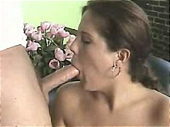 Larger girl loves to s...