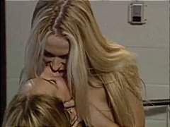 Hot lesbians get it on... from Nuvid