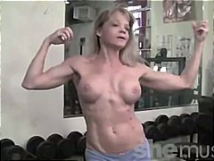 Tube8 - Mature Muscle in the Gym