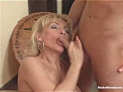Hot mature make a youn... from Xhamster