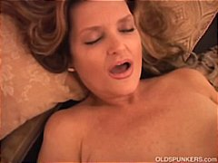 Gorgeous cougar has a ... from PornHub