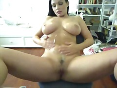 Cam Time With BigTits ...