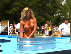 CMNF Nudes-A-Poppin 2006