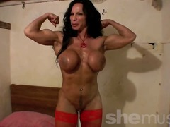 Mature muscle babe, Rh... from Xhamster