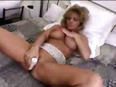 Xhamster - A blonde and a dildo